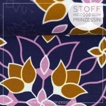 Big floral Ornaments violett